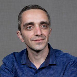 Денис Пиралиев